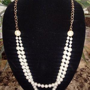 Pearl/gold necklace w/ earrings